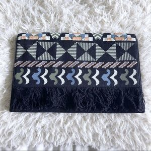Stella & Dot Indegenious pattern textile clutch!